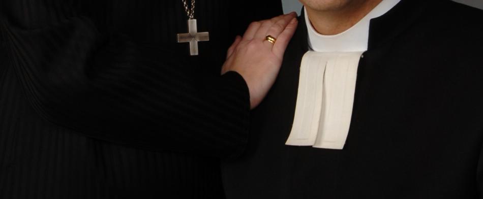 Pappeus kahtaalle ulottuvana – Ajatuksia pappeudesta (osa 2/3)